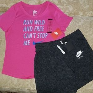 NIKE GIRLS SHIRT AND SHORTS XL